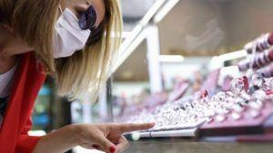 Рост продаж ювелирных изделий в США в марте