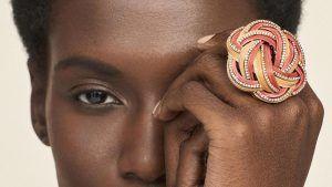 Новая выставка-продажа Phillips посвящена женщинам-дизайнерам