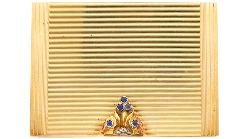 Компактная пудреница Van Cleef & Arpels, украшенная сапфирами и бриллиантами