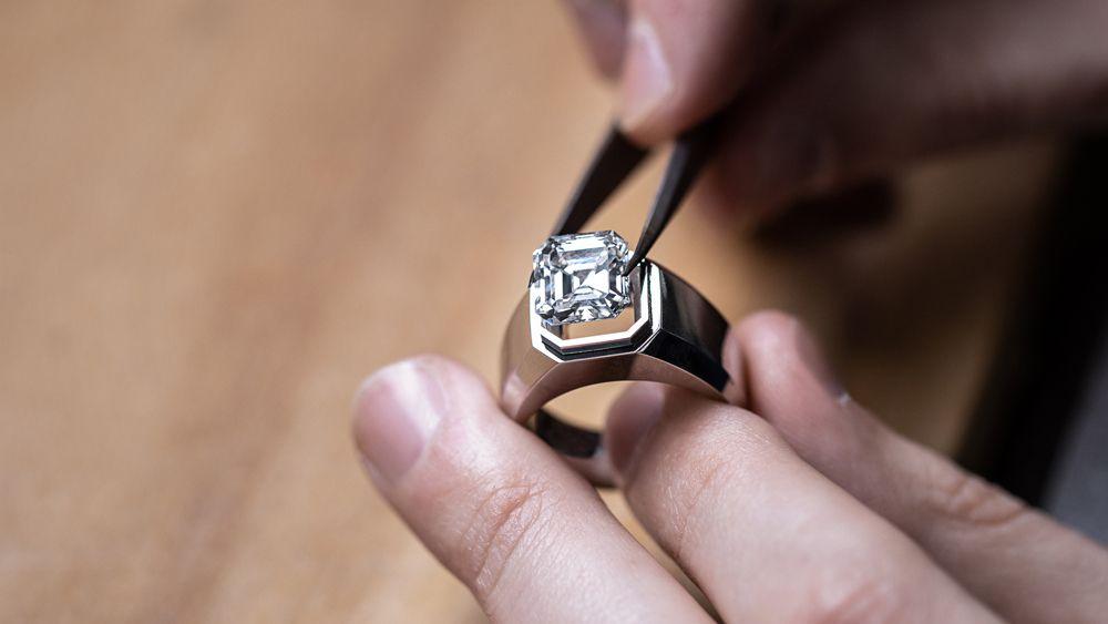 Мужское обручальное кольцо Tiffany & Co.