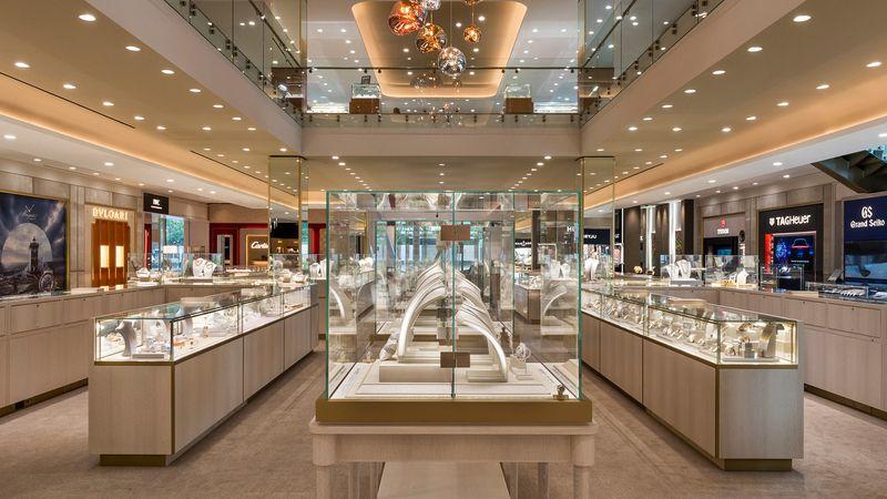 В интерьере нового магазина Zadok полы из итальянского камня