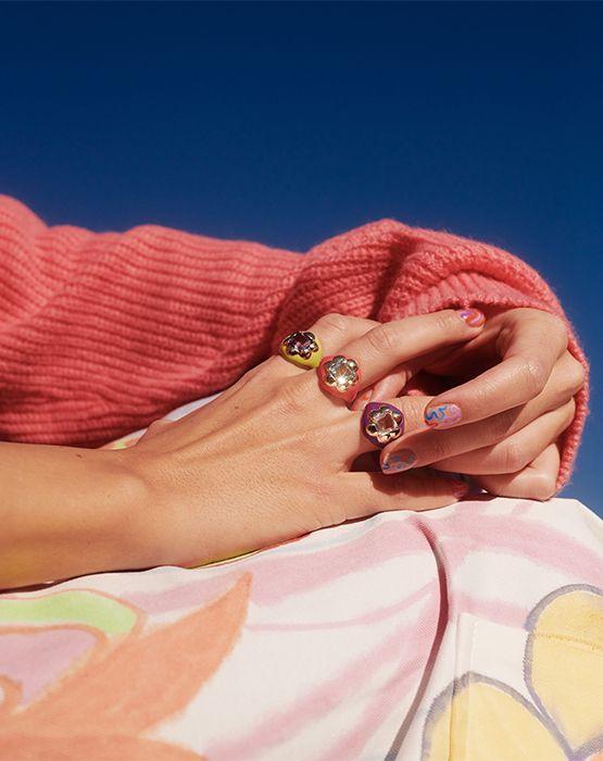 Цветочные кольца Disco Signet из золота, с драгоценными камнями и эмалью