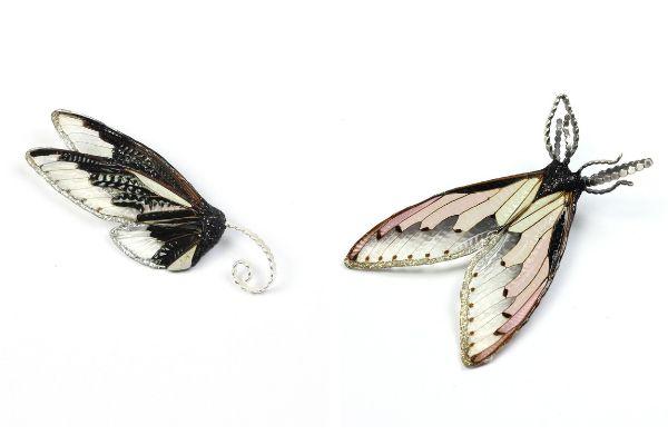 Брошь Black & White cicada из серебра с крыльями цикады, смолой, лаком и краской; Брошь Blush cicada из серебра с крыльями цикады, смолой, лаком и краской