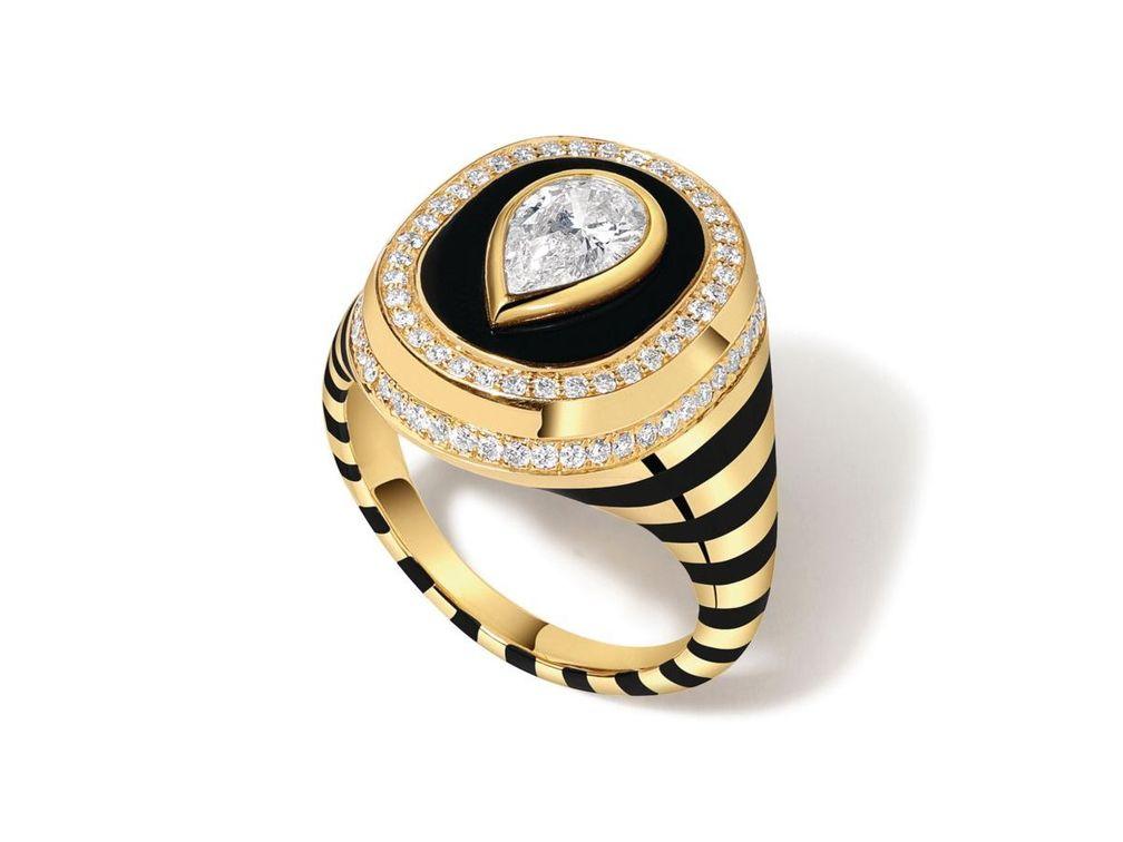 Кольцо Baret Signet из желтого золота с эмалью и бриллиантами от State Property
