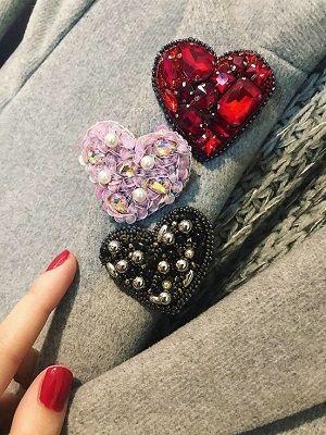 Броши с кристаллами Сваровски: особенности, как выбрать и с чем носить