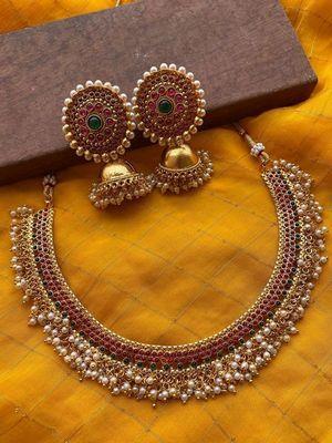 Старинные украшения: особенности, как выбрать и носить