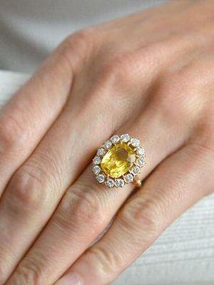 Желтый сапфир: свойства и особенности камня