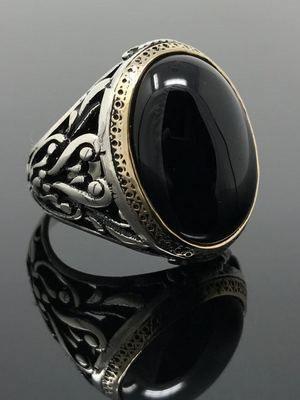 Черный оникс: свойства и значение камня, где применяется