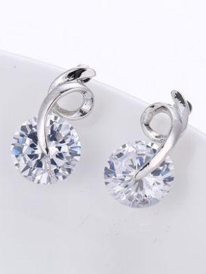 Классические гвоздики с бриллиантами