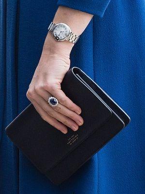кольцо с овальным сапфиром