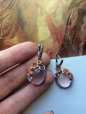 серебряные серьги с камнями