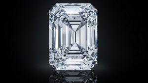 На аукционе Christie's был продан бриллиант «The Spectacle» за $ 14 млн