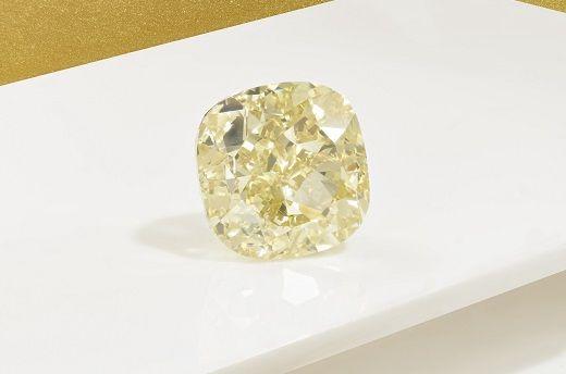 На аукционе Christie's выставлен на продажу 204-каратный желтый бриллиант