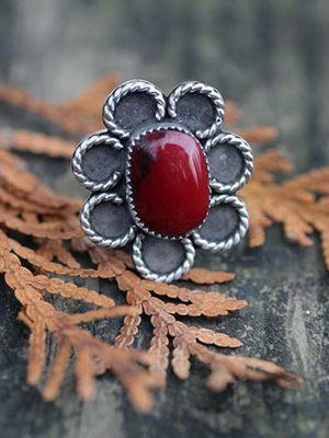 Кровавая яшма: свойства и особенности камня