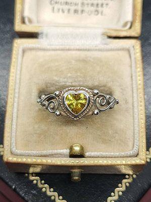 Серебряные кольца с топазом: особенности, как выбрать и носить