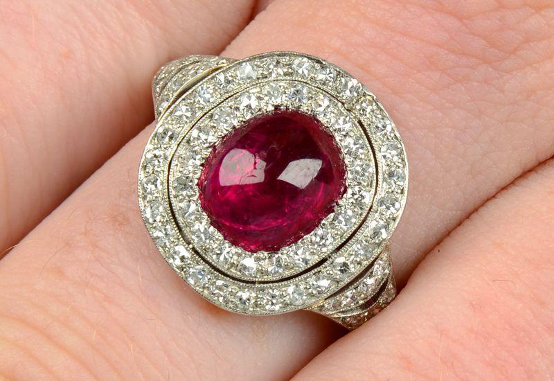 Кольцо в эдвардианском стиле из платины с бирманским рубином и бриллиантами