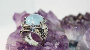 Серебряные кольца с аквамарином: особенности, с чем выбрать и носить
