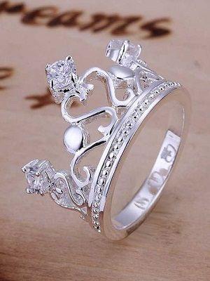 Серебряное кольцо в виде короны: особенности, как выбрать и носить