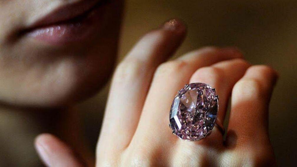 Устойчивый рост цены розовых алмазов и бриллиантов