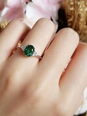 Серебряные кольца с изумрудом: особенности, как выбрать и носить