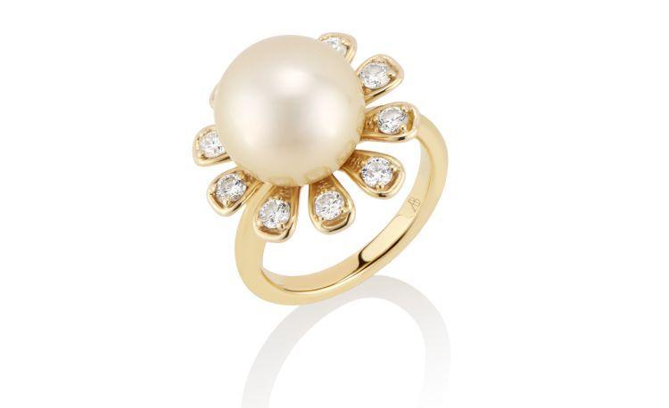 Кольцо из 18-каратного золота с бриллиантами и золотой жемчужиной Южного моря от Anne Baker