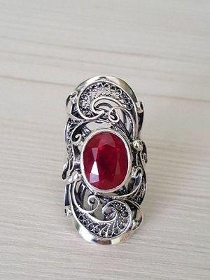 серебряный перстень с камнем