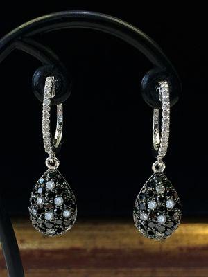 Роскошные серьги с бриллиантовой россыпью