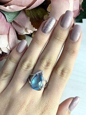 кольцо с аквамарином на руке