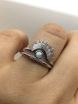 необычное кольцо с опалом