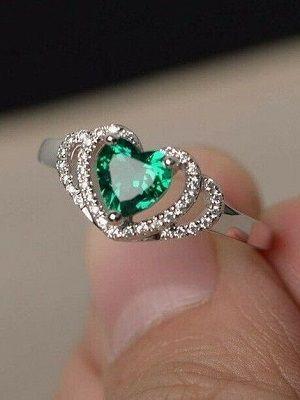 кольцо в виде сердца