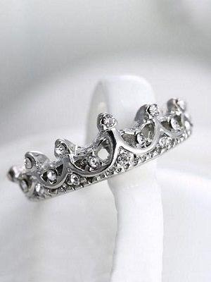 кольцо в виде тиары