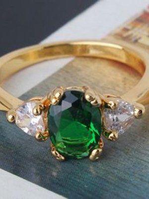 Классическое кольцо с изумрудом