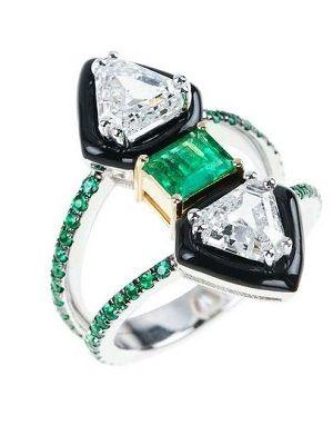 оригинальное кольцо с изумрудами
