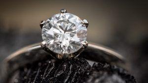 Поставщики алмазов наблюдают «беспрецедентные» продажи