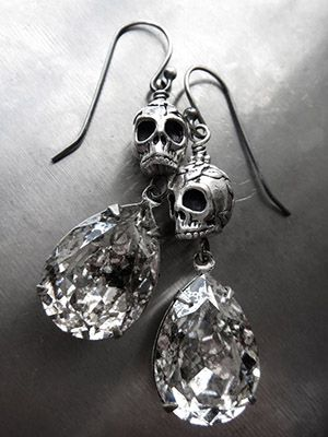 Серьги с кристаллами Сваровски: как выбрать и носить