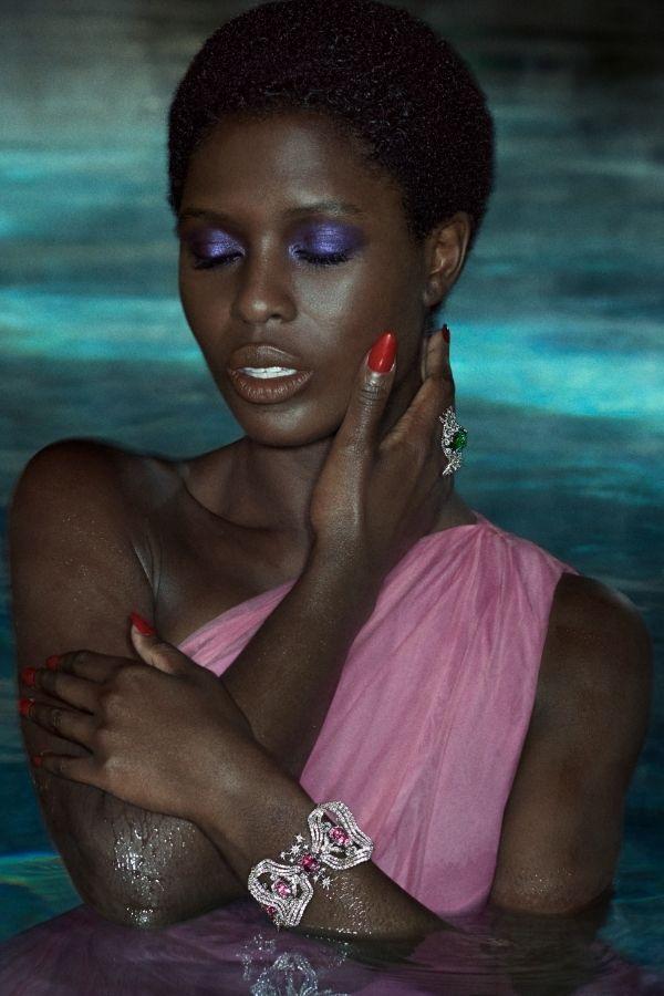 Инкрустированная бриллиантами манжета с розовыми сапфирами