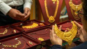 Внутренняя торговля Индии просит финансовой помощи