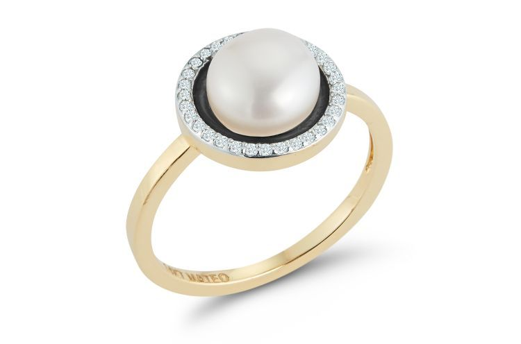 Кольцо из 14-каратного золота с бриллиантами, жемчугом и черной эмалью от Mateo