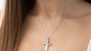Крестики из белого золота: особенности, как выбрать и носить