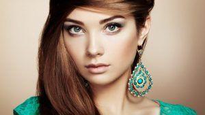 Как подобрать бижутерию по цвету волос