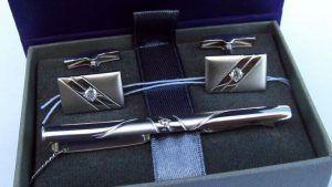 Зажим для галстука с фианитами: особенности, как выбрать и носить
