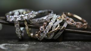 Золото или серебро – что выбрать? Плюсы и минусы металлов
