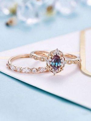 Золотые кольца с александритом: особенности, с чем выбрать и носить