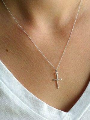 Крестики из серебра: особенности, как выбрать и носить