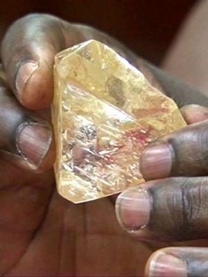 алмаз в руках
