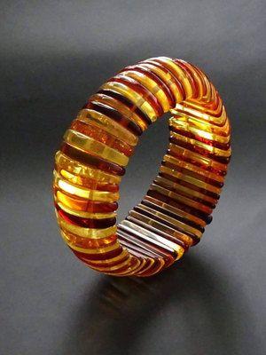 виды янтарных браслетов