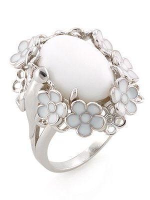 стильное кольцо с белой эмалью