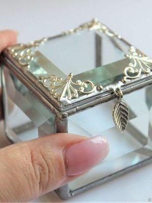 миниатюрная шкатулка для украшений