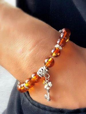 как носить браслет с янтарем