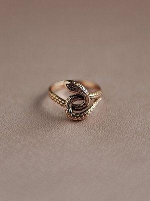 золотое кольцо в форме змеи
